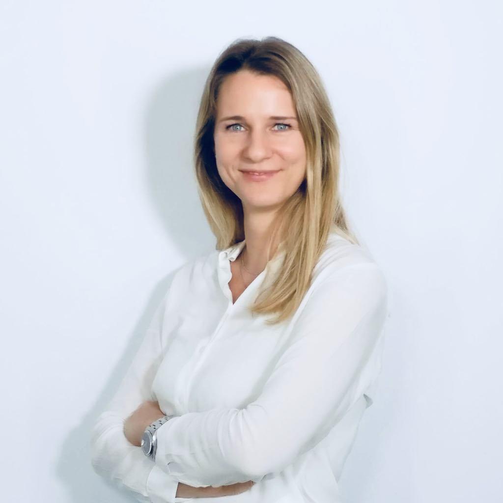 Julia Schurr, MBA